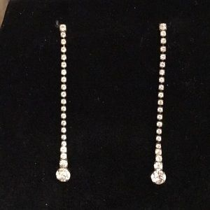 Jewelry - Vintage rhinestone drop dangle pierced earrings